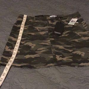 NWT Kensie camo print mini skirt 8/29